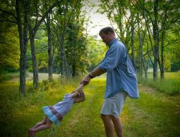 padre con niña
